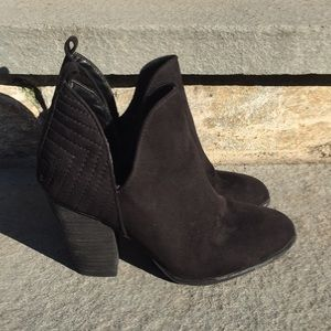 Carlos Santana Black Women's Size 8 Booties